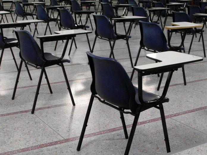 PE-examens fors duurder