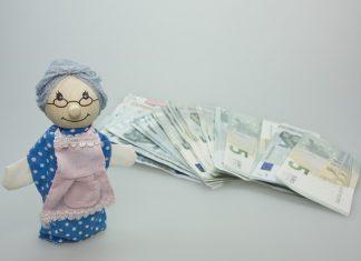 Oudere met geld ziet financiële toekomst iets zonniger in