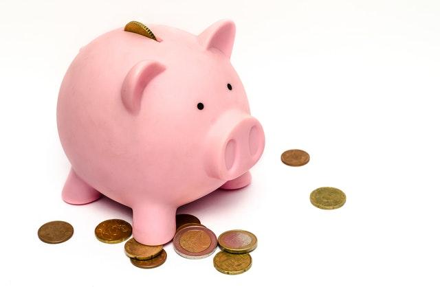 Hoogopgeleide oudere mannen zijn het meest financieel bewust