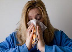 Coronapiek ziekteverzuim vooral bij industrie, vervoer, retail en zakelijk
