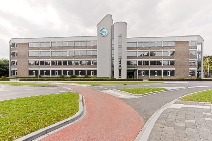Van Hooft & Postema en Knops groeien samen verder