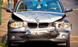 Nieuwe verkeerswet: appen achter het stuur is roekeloos rijgedrag