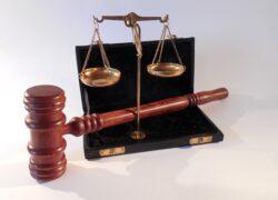 Tussenpersoon spoort verzekeraar onvoldoende aan en voldoet zo niet aan zorgplicht. Schade: €16.027,70