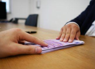 Banken scherpen criteria voor bedrijfskredieten en hypotheken aan
