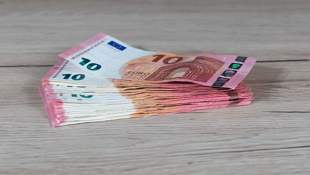 Maximale vergoeding op krediet blijft voorlopig 10 procent